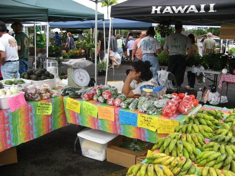 Kinoole farmers market 2 004