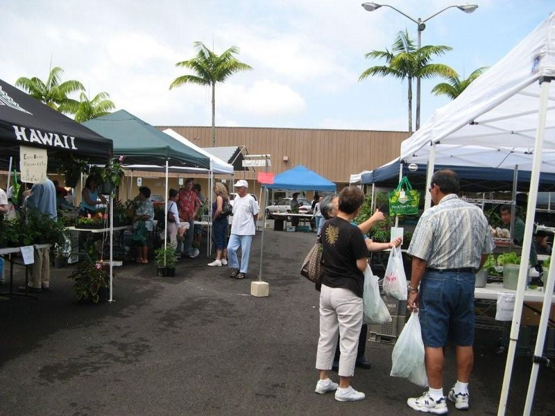 Kinoole farmers market 2 031