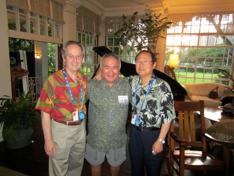 Jean Lou Chameau, Richard Ha, Henry Yang